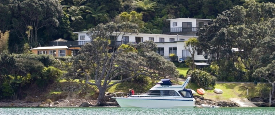 Great Barrier Island accommodation, New Zealand: Tipi & Bobs Waterfront Lodge accommodation and venue
